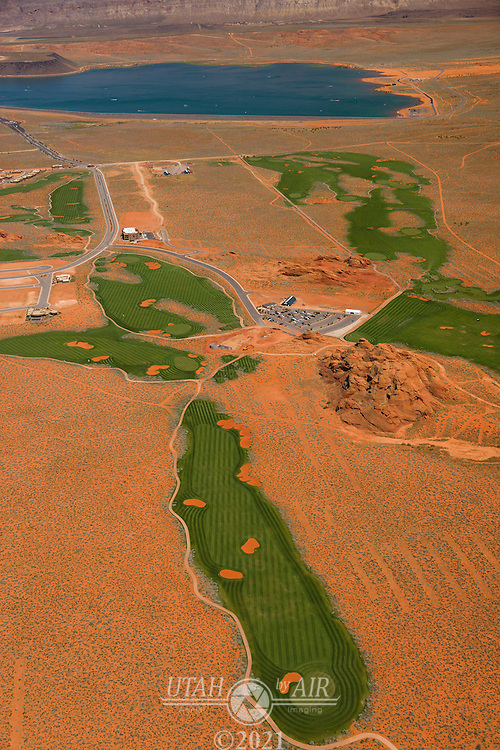 New development and golf course at Sand Hollow Reservoir