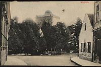 Zagreb : Popov toranj. <br /> <br /> ImpresumS. l. : S. n., [1914].<br /> Materijalni opis1 razglednica : tisak ; 8,4 x 13,5 cm.<br /> Vrstavizualna građa • razglednice<br /> ZbirkaGrafička zbirka NSK • Zbirka razglednica<br /> Formatimage/jpeg<br /> PredmetZagreb –– Ilirski trg<br /> SignaturaRZG-ILIR-2<br /> Obuhvat(vremenski)20. stoljeće<br /> NapomenaRazglednica je putovala 1914. godine.<br /> PravaJavno dobro<br /> Identifikatori000954195<br /> NBN.HRNBN: urn:nbn:hr:238:691660 <br /> <br /> Izvor: Digitalne zbirke Nacionalne i sveučilišne knjižnice u Zagrebu