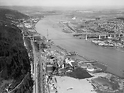 "4617 ""Willamette River at gas plant and St. Johns bridge. February 21, 1940."" DEQ Site ID 84, DEQ Site ID 183, Gasco, Wacker Siltronic site."