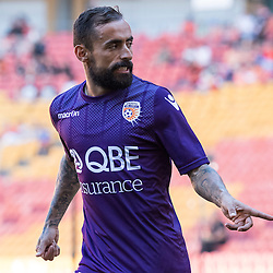 BRISBANE, AUSTRALIA - OCTOBER 30: Diego Castro of the Glory gestures to teammates warming up during the round 4 Hyundai A-League match between the Brisbane Roar and Perth Glory at Suncorp Stadium on October 30, 2016 in Brisbane, Australia. (Photo by Patrick Kearney/Brisbane Roar)