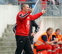 Fotball tippeligaen 23.06.05 - Molde - Brann<br /> Mons Ivar Mjelde, trener<br /> Foto: Carl-Erik Eriksson, Digitalsport