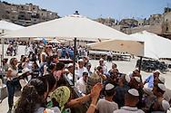 Bar Mitzvah at the Western Wall. Bar Mitzvah al Muro del Pianto.