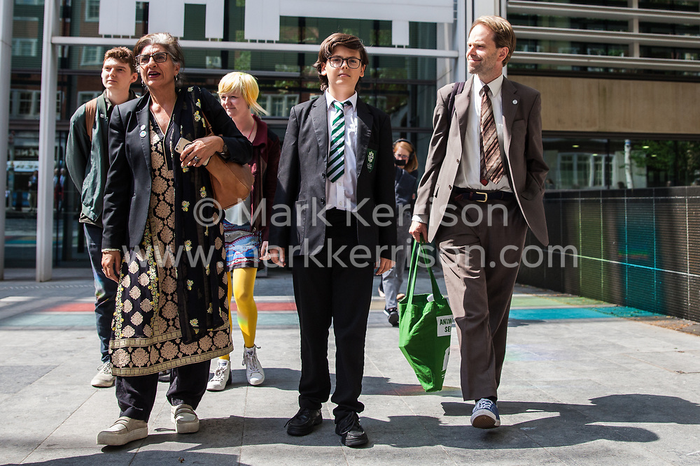 London, UK. 30th April 2019. Climate change activists from Extinction Rebellion (l-r) Sam Knights, Farhana Yamin, Clare Farrell, Felix Ottaway O'Mahony and Rupert Read leave the Home Office after attending a meeting hosted by the Secretary of State for the Environment Michael Gove.