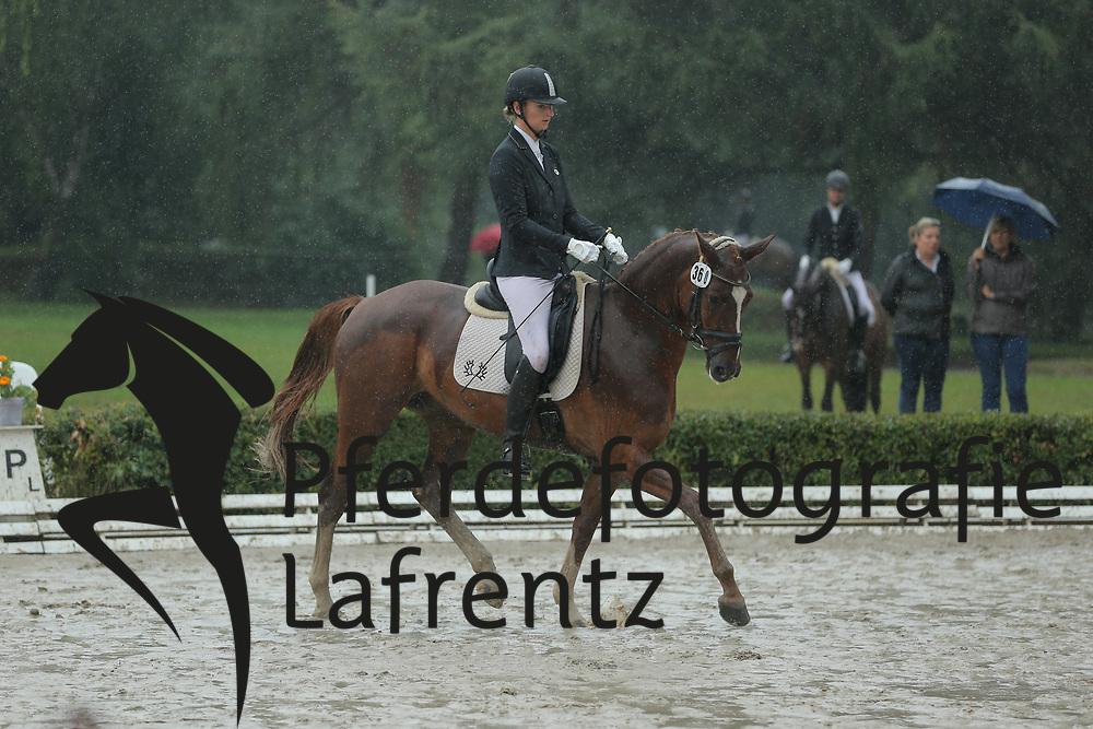 Wilms, Laura, Santiamo P<br /> Hannover - Trakehner Bundesturnier<br /> Dressurpferde Klasse A<br /> © www.sportfotos-lafrentz.de/ Stefan Lafrentz