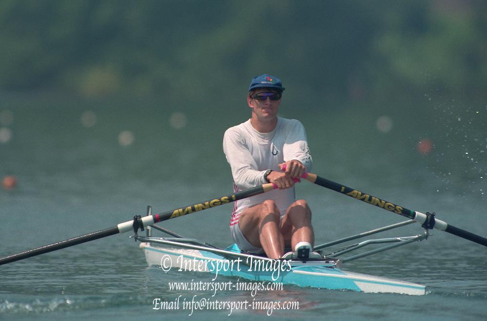 Lucerne, Switzerland. 1995 FISA WC III, Lake Rottsee, Lucerne,<br /> GBR M1X Rory HENDERSON.<br /> [Mandatory Credit. Peter SPURRIER/Intersport Images]<br /> <br /> Image scanned from Colour Negative