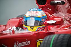 O piloto espanhol de Fórmula 1 Fernando Alonso acelera sua Ferrari durante o Grande Prémio do Brasil em Interlagos, em São Paulo. FOTO: Jefferson Bernardes/Preview.com