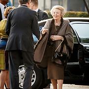 NLD/Enschede/20150318 - Prinses Beatrix en Prinses Mabel aanwezig bij uitreiking Prins Friso ingenieursprijs , Prinses Beatrix