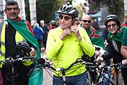 Pablo Vignali/ URUGUAY/ MONTEVIDEO/ El pre candidato a presidente por el Frente Amplio, Daniel Martínez, realizó una bicicleteada desde la Universidad hasta el lago del Parque Rodó, donde se dirigió a los presentes. <br /> En la foto: Daniel Martínez en un acto en el Parque Rodó. Foto: Pablo Vignali / adhocFOTOS.<br /> 20190526<br /> día domingo