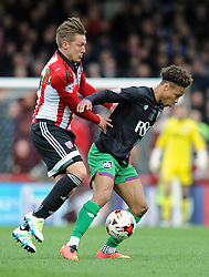 Bobby Reid of Bristol City is closed down - Mandatory by-line: Dougie Allward/JMP - 16/04/2016 - FOOTBALL - Griffin Park - Brentford, England - Brentford v Bristol City - Sky Bet Championship