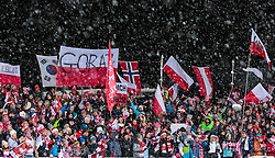 16.12.2017, Gross Titlis Schanze, Engelberg, SUI, FIS Weltcup Ski Sprung, Engelberg, im Bild Zuschauer, Fans aus Polen // Spectators, Polish Fans during Mens FIS Skijumping World Cup at the Gross Titlis Schanze in Engelberg, Switzerland on 2017/12/16. EXPA Pictures © 2017, PhotoCredit: EXPA/JFK