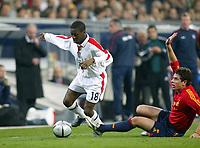 Fotball<br /> Privatlandskamp<br /> Spania v England<br /> 17. november 2004<br /> Foto: Digitalsport<br /> NORWAY ONLY<br /> England's Shaun Wright-Phillips gets around Spain Asier Del Horno