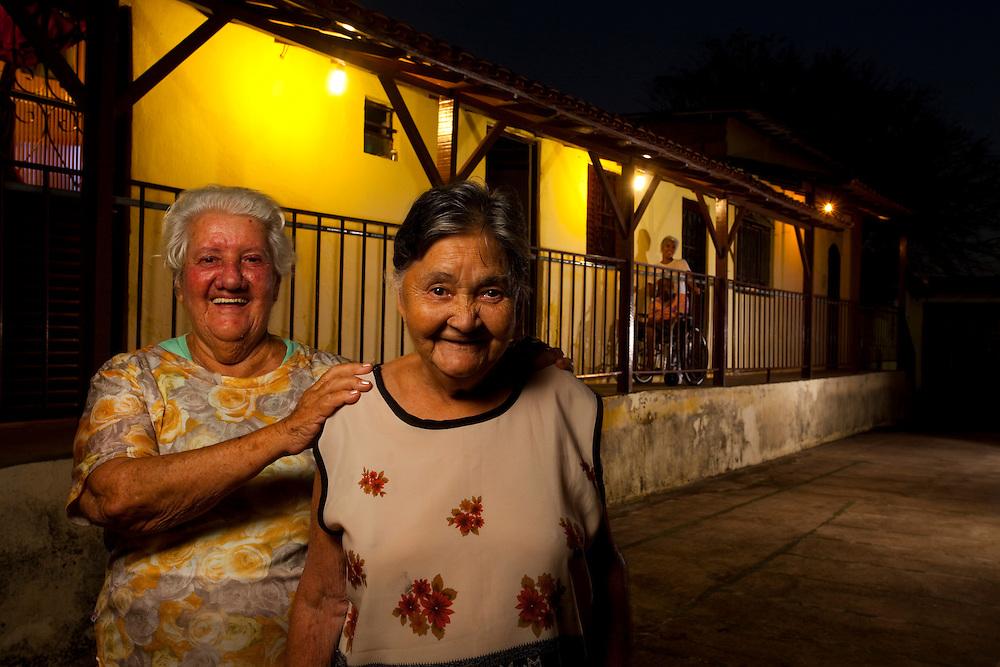Sabara_MG, Brasil...Senhoras no Lar do Idoso Jose Vercosa Junior em Sabara, Minas Gerais...Elderly ladies at the Home for the Elderly Jose Junior Vercosa in Sabara, Minas Gerais...Foto: LEO DRUMOND / NITRO