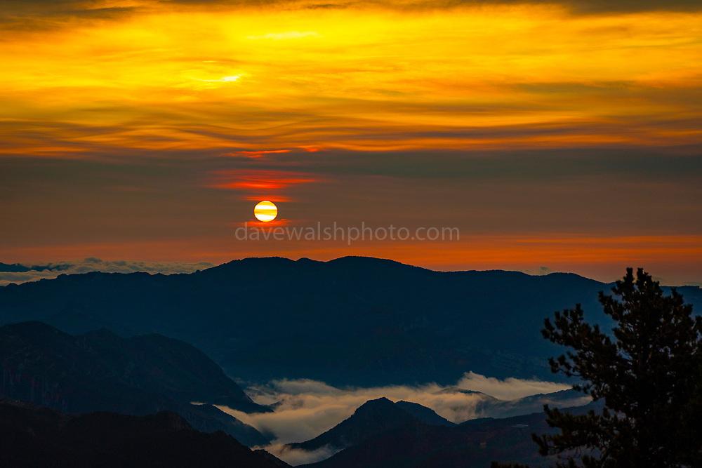 Sunrise over the mountains of Catalonia, Parc Natural del Cadí-Moixeró, Catalonia, Spain