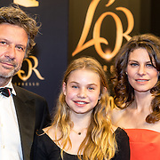 NLD/Utrecht/20160930 - inloop NFF 2016 L'OR Gouden Kalveren Gala, Rifka Lodeizen, partner Casper Wijers en dochter Pilar