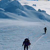 CORD.SARMIENTO, Expedition (MR) skis to summit of 2nd highest peak in Patagonian range (Chile).