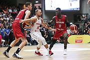 BASKETBALL: VTG Supercup 219, Deutschland - Polen, Hamburg, 18.08.2019<br /> Johannes Voigtmann (l.) und Dennis Schröder (beide Deutschland, r.) - Lukasz Koszarek (Polen, m.)<br /> © Torsten Helmke