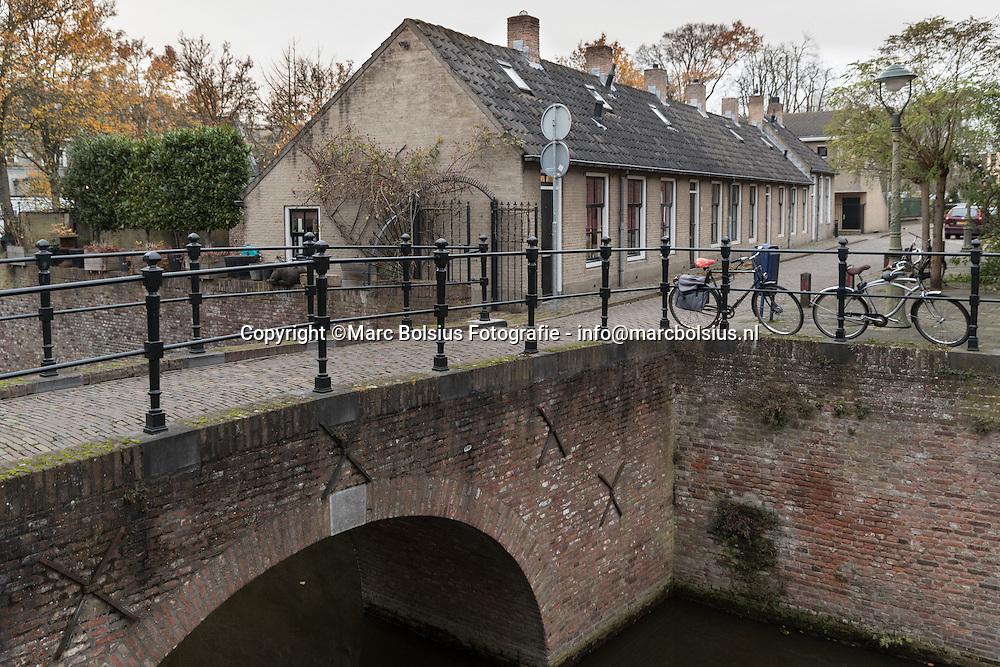 Nederland,  Den Bosch, rubriek Heilig Huisje, Nathalie Salameh met haar kinderen Dries en Lilianne uit De Louwsepoort 34
