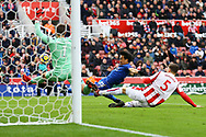 Shinji Okazaki of Leicester City (c) misses a goal chance from close range. Premier league match, Stoke City v Leicester City at the Bet365 Stadium in Stoke on Trent, Staffs on Saturday 4th November 2017.<br /> pic by Chris Stading, Andrew Orchard sports photography.