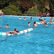 Opening zwemseizoen 2003 wembad de Sijsjesberg Huizen
