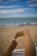 Isla Margarita_VEN, Venezuela...Litoral de Isla Margarita, Venezuela. Na foto pes de um casal...Coast of Isla Margarita, Venezuela. In the photo feet of a couple...Foto: JOAO MARCOS ROSA / NITRO