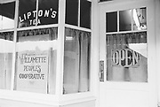 "1006-B075-20 ""Food co-op. 1970"" (Willamette People's Cooperative, Willamette People's Food Co-op, 22nd and Emerald, Eugene)"