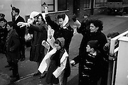 09/04/1964<br /> 04/09/1964<br /> 09 April 1964<br /> Irish U.N. advance party leave for Cyprus. An advance party of 60 Irish troops of the 40th Battalion leaving Dublin Airport by U.S. Airforce plane for Nicosia Airport, the rest of the unit would fly out two weeks later. Picture shows some of the soldiers relatives waving them off on their tour of duty.