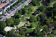 Nederland, Amsterdam, Oud-Zuid, 12-05-2009; De Pijp in stadsdeel Oud-Zuid, met in het midden het Sarphatipark het monument met standbeeld van  Sarphati.<br /> Swart collectie, luchtfoto (25 procent toeslag); Swart Collection, aerial photo (additional fee required)<br /> foto Siebe Swart / photo Siebe Swart