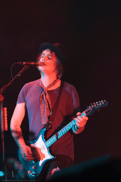 Pete Doherty performing live with The Libertines at The Manchester Phones4U Arena on the second night of their Anthems For Doomed Youth Tour