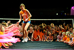 10-05-2008 VOLLEYBAL: DELA MEIDENDAG: APELDOORN<br /> Zo n 1500 meisjes woonden de teampresentatie van het Nederlands vrouwenvolleybalteam bij. De DELA meidendag werd weer een groot succes / Susan van der Heuvel<br /> ©2008-WWW.FOTOHOOGENDOORN.NL