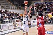 DESCRIZIONE : Trento Lega A 2015-16 Dolomiti Energia Trentino - Consultinvest Pesaro<br /> GIOCATORE : Trevor Lacey<br /> CATEGORIA : Ritardo<br /> SQUADRA : Dolomiti Energia Trentino - Consultinvest Pesaro<br /> EVENTO : Campionato Lega A 2015-2016 <br /> GARA : Dolomiti Energia Trentino - Consultinvest Pesaro<br /> DATA : 08/11/2015 <br /> SPORT : Pallacanestro <br /> AUTORE : Agenzia Ciamillo-Castoria/Giulio Ciamillo<br /> Galleria : Lega Basket A 2015-2016 <br /> Fotonotizia : Trento Lega A 2015-16 Dolomiti Energia Trentino - Consultinvest Pesaro