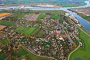 Nederland, Noord-Brabant, Gemeente Lith, 15-11-2010; Het dorp Lithooijen (Lith) aan de Maas, met de Prinses Maxima Sluizen. luchtfoto (toeslag), aerial photo (additional fee required).foto/photo Siebe Swart