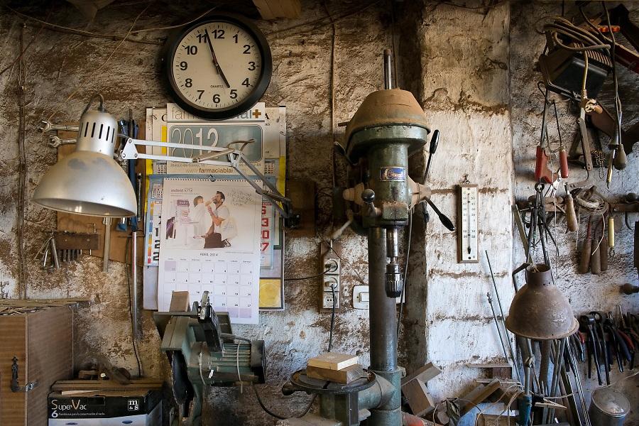 /ES/ Se conservan los talleres de artesanos y artistas.