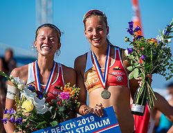 25-08-2019 NED: DELA NK Beach Volleyball, Scheveningen<br /> Last day NK Beachvolleyball / Katja Stam #1, Julia Wouters #2
