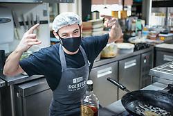 A chef Natália Tussi iniciou sua carreira na fábrica de massas da família.  Atualmente Nati Tussi conta com um menu super variado de carnes, frutos do mar, hambúrgueres e muitas outras delícias no Roister Food and Beer Culture. FOTO: Jefferson Bernardes/ Agência Preview