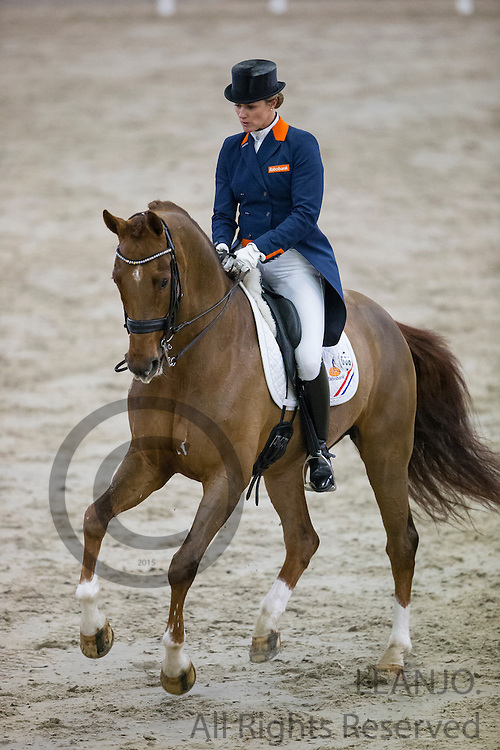 Madeleine Witte Vrees - Unlimited<br /> CDI3* Christmas Show 2014<br /> © DigiShots
