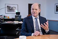 21 NOV 2018, BERLIN/GERMANY:<br /> Olaf Scholz, SPD, Bundesfinanzminister, waehrend einem Interview, in seinem Buero, Bundesministerium der Finanzen<br /> IMAGE: 20181121-01-004<br /> KEYWORDS: Büro