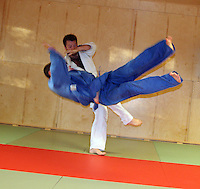 Judokast, judo throw, Okuri ashi harai