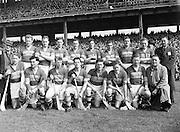 179/2528-2533..19 April 1953.National Hurling League Final.-Senior Hurling Tipperary Team in Croke Park...
