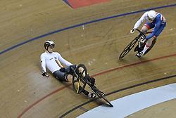 06-08-2018 WIELRENNEN: EUROPEAN CHAMPIONSHIPS TRACK CYCLING: GLASGOW<br /> Stefan Botticher (GER) gaat ain de halve finale sprint onderuit tegen Jack Carlin (GBR)<br /> <br /> Foto: SCS/Soenar Chamid