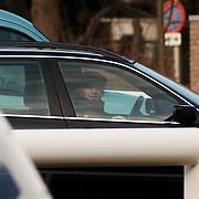 NLD/Den Haag/20060108 - Prinses Mabel met pet verlaat na een bezoek het Bronovo ziekenhuis waar koninging Beatrix revalideert na een knie operatie en een longontsteking, mabel wisse smit, auto, hoed, hospitaal