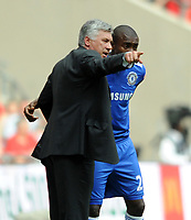 Fotball<br /> England<br /> Foto: Fotosports/Digitalsport<br /> NORWAY ONLY<br /> <br /> Wembley Stadium Community Shield  Manchester United v Chelsea (2-2) 09/08/09 Chelsea win after penalty shoot out  4 - 1 <br /> Chelsea manager Carlo Ancelotti sends on matchwinner Saloman Kalou
