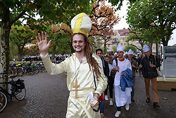 October 31, 2016 - Lund, Sweden - Swedish students parading  in Lund for Pope Francis visit...Commemorations for the 500th anniversary of the Reformation, Lund, Sweden (Credit Image: © Aftonbladet/IBL via ZUMA Wire)