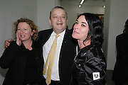 Rachel Whiteread, Norman Rosenthall and Sue Webster , Jeff Koons: Hulk Elvis. private view. Gagosian Gallery. 18 1une 2007.  -DO NOT ARCHIVE-© Copyright Photograph by Dafydd Jones. 248 Clapham Rd. London SW9 0PZ. Tel 0207 820 0771. www.dafjones.com.