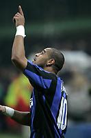 Milano, 11-12-05<br />Campionato Serie A 05-06<br />Inter-Milan<br />nella  foto Adriano esulta dopo il suo gol<br />Foto Snapshot / Graffiti