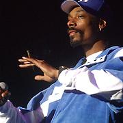 Concert Snoop Doggy Dog, Calvin Broadus, rookt een joint, weed