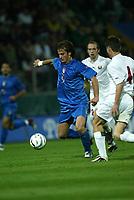 PARMA, 13-10-04<br />Qualificazioni Mondiali<br />Italia Bielorussia<br />nella  foto Gilardino<br />Foto Snapshot / Graffiti