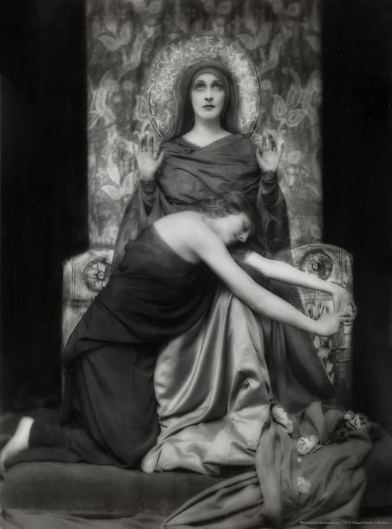 Lady Hazel Lavery, artist and socialite, wife of Sir John Lavery, with Miss de Trafford, Ireland, 1916
