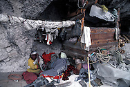 =  Indian school Tarahumaras Indians have a very poor way of life. Sierra Madre   Mexico   ///  Les indiens Tarahumaras vivent miserablement et sont à peine integres. Sierra Madre , Une ecole indienne    Mexique  +
