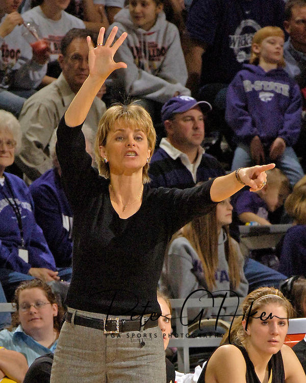 Baylor head coach Kim Mulkey-Robertson sends in a play during the secnd half against Kansas State, at Bramlage Coliseum in Manhattan, Kansas, February 25, 2006. The 10 ranked Lady Bears defeated K-State 79-70.