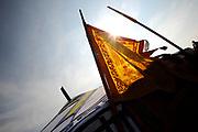 Het Ticket for Tibet festival op de NDSM-werf in Amsterdam was zondag 9500 mensen aanwezig.<br /> De organisatie wil met het festival protesteren tegen wat zij noemt de bezetting van Tibet door China. <br /> <br /> Op de foto: <br /> <br />  Tibetaanse vlaggen